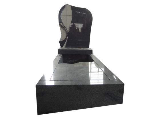 Black Granite Headstone With Sandblasted Design